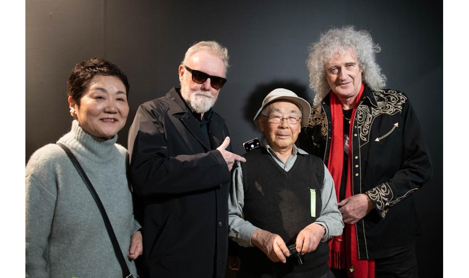 東郷かおる子(元ミュージック・ライフ編集長)がロックの歴史を語り尽くす「ミュー ジック・ライフ講座」。最終回のゲストはロック・フォトグラファー、長谷部 宏氏!