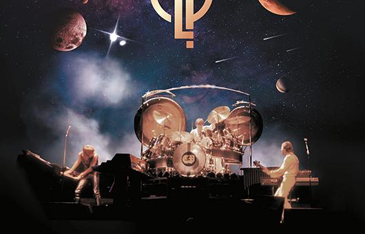 エマーソン、レイク&パーマー50周年記念デラックス・ボックス・セット『アウト・オブ・ジス・ワールド:ライヴ(1970-1997)』、LP10枚組/CD7枚組CDで10/29発売