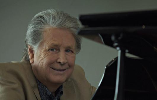 ブライアン・ウィルソン、ビーチ・ボーイズ結成60周年記念イヤーに、自作名曲の数々をピアノで奏でるキャリア初のソロ・ピアノ・アルバム発売決定!