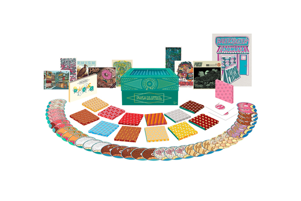 フィッシュがCD36枚入りのライヴ・ボックスセット『Complete Baker's Dozen』を発売