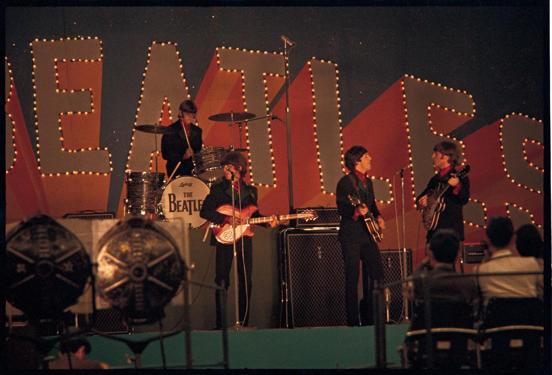 ザ・ビートルズ 1966年来日時未公開写真! 世界的ジャズ写真家:故阿部克自氏の暗室から発見