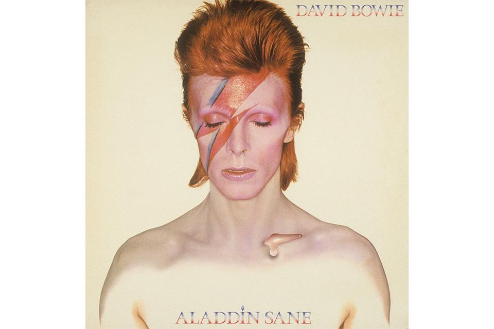 デヴィッド・ボウイ『アラジン・セイン』の写真が、V&A博物館に寄贈される