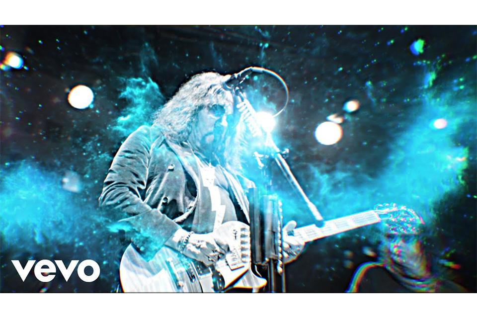 エース・フレーリーが「Rockin' With The Boys」のミュージック・ビデオをリリース