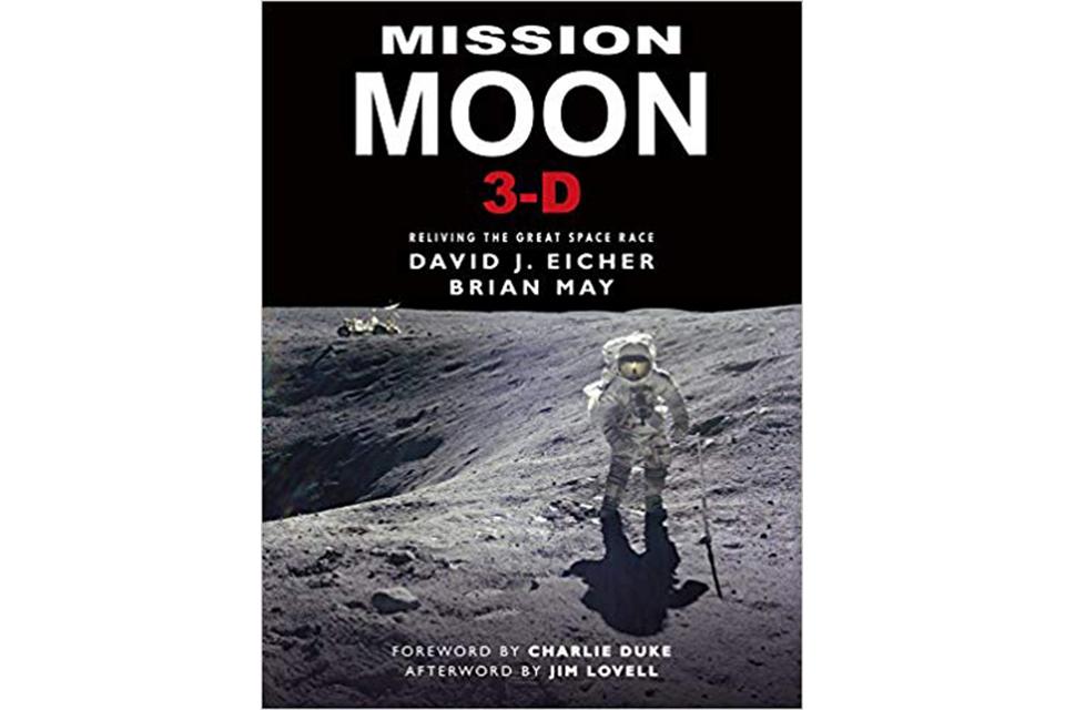 ブライアン・メイが新刊『Mission Moon 3-D』で読者を月旅行へ