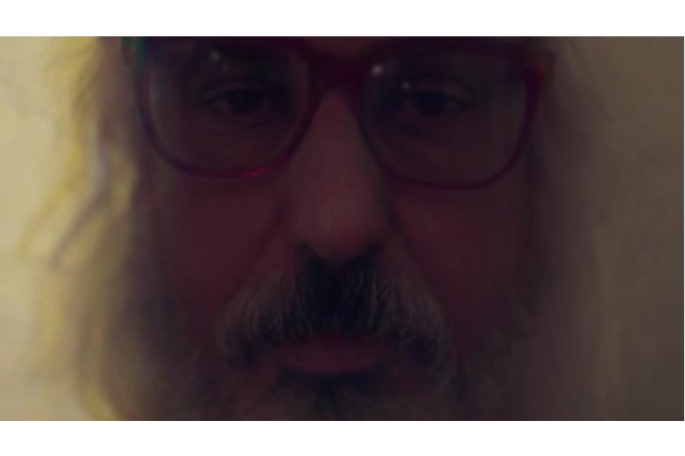J・マスキス、11月9日発売のニュー・アルバム『エラスティック・デイズ』より「Web So Dense」を公開